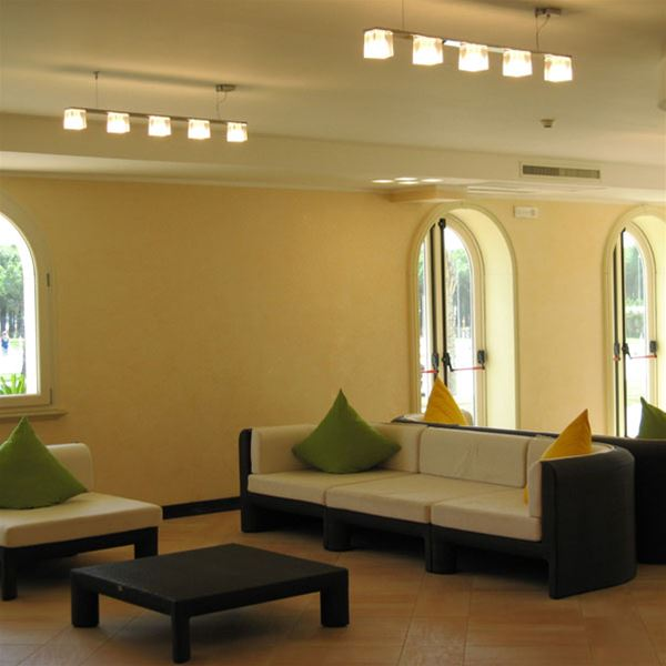 Cubetto 5 luci a sospensione fabbian lampadari for Illuminazione salotto