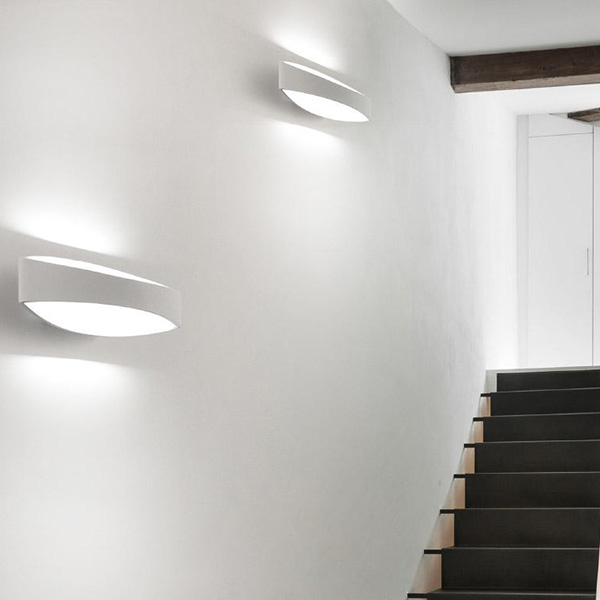 Bridge applique ai lati applique progetti in luce - Led per scale ...